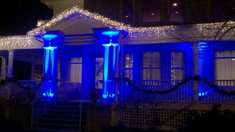 5 reasons why people use blue porch light and meaning