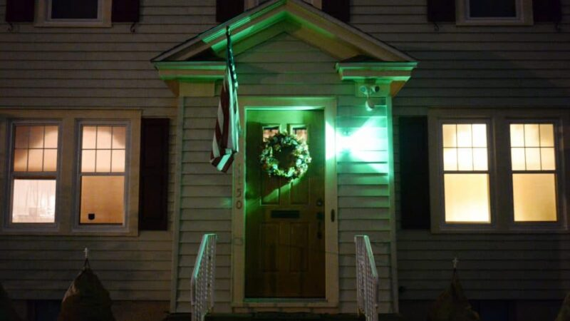 green porch light meaning (2021) & why people use it